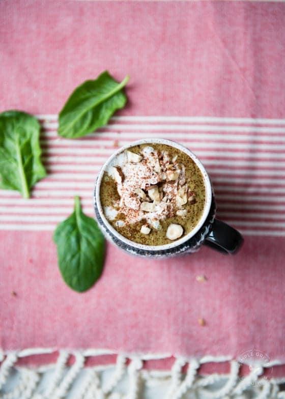 lezat cokelat panas panas kacang Smoothie Hijau