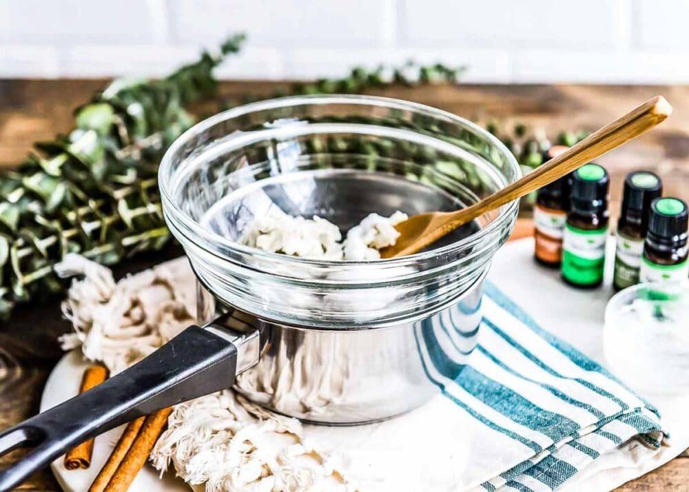 How to make homemade vapor rub