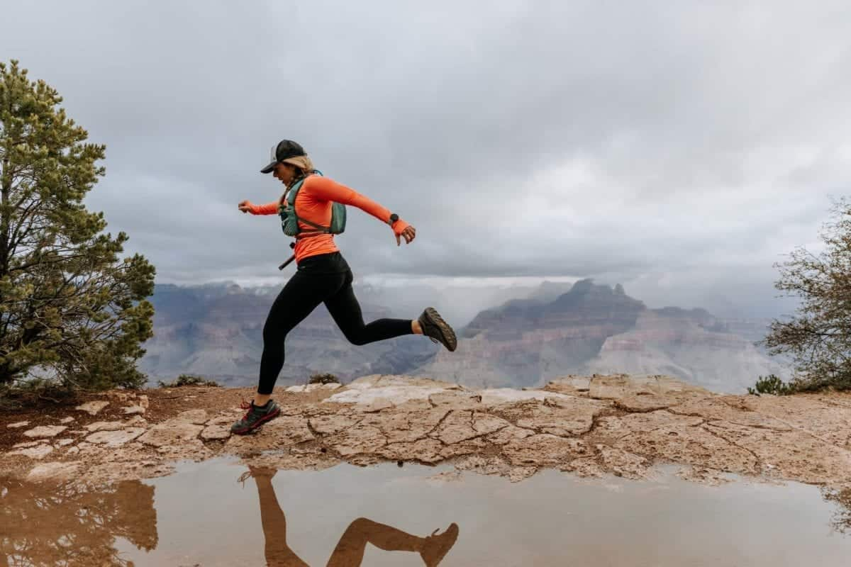 Hiking the Grand Canyon and Jumping over a puddle| Simple Green Smoothies