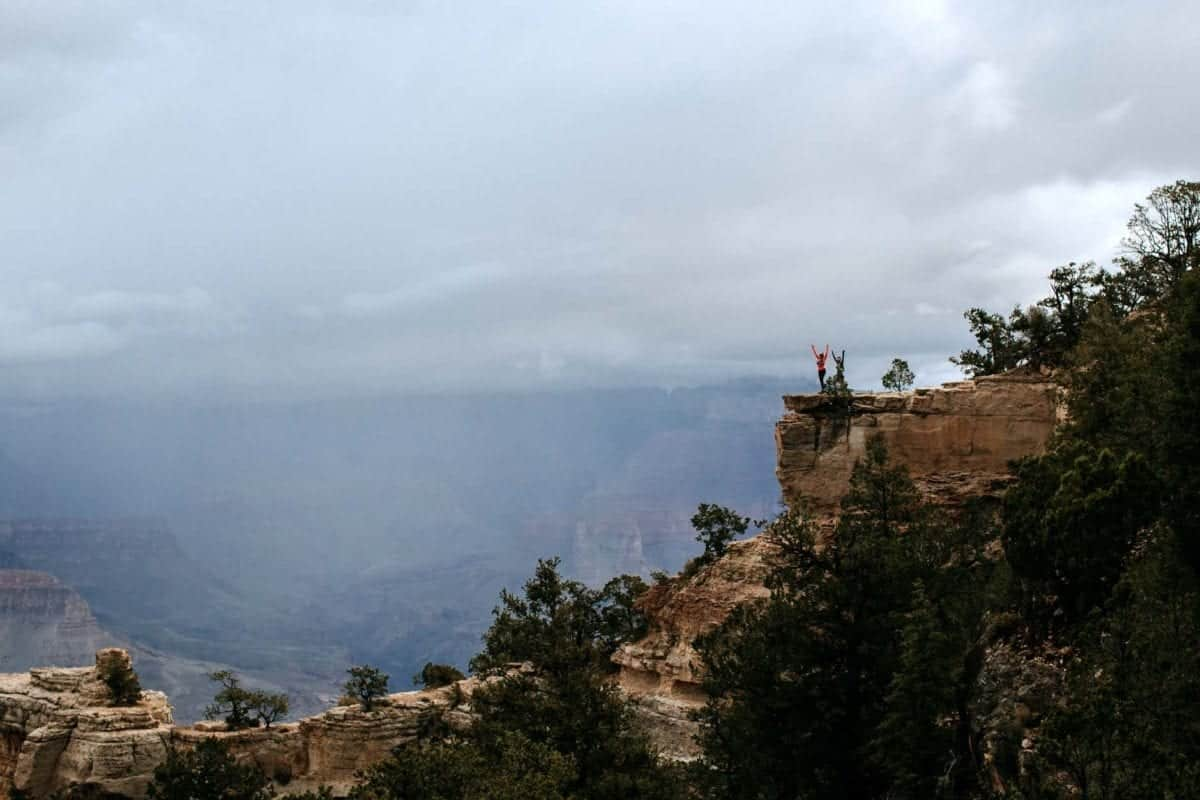 Hiking the Grand Canyon Epic Overlook | Simple Green Smoothies