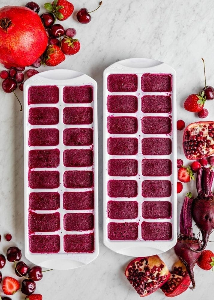 Antioxidant Berry Smoothie | SimpleGreenSmoothies.com #vegan #smoothie #antioxidants #red