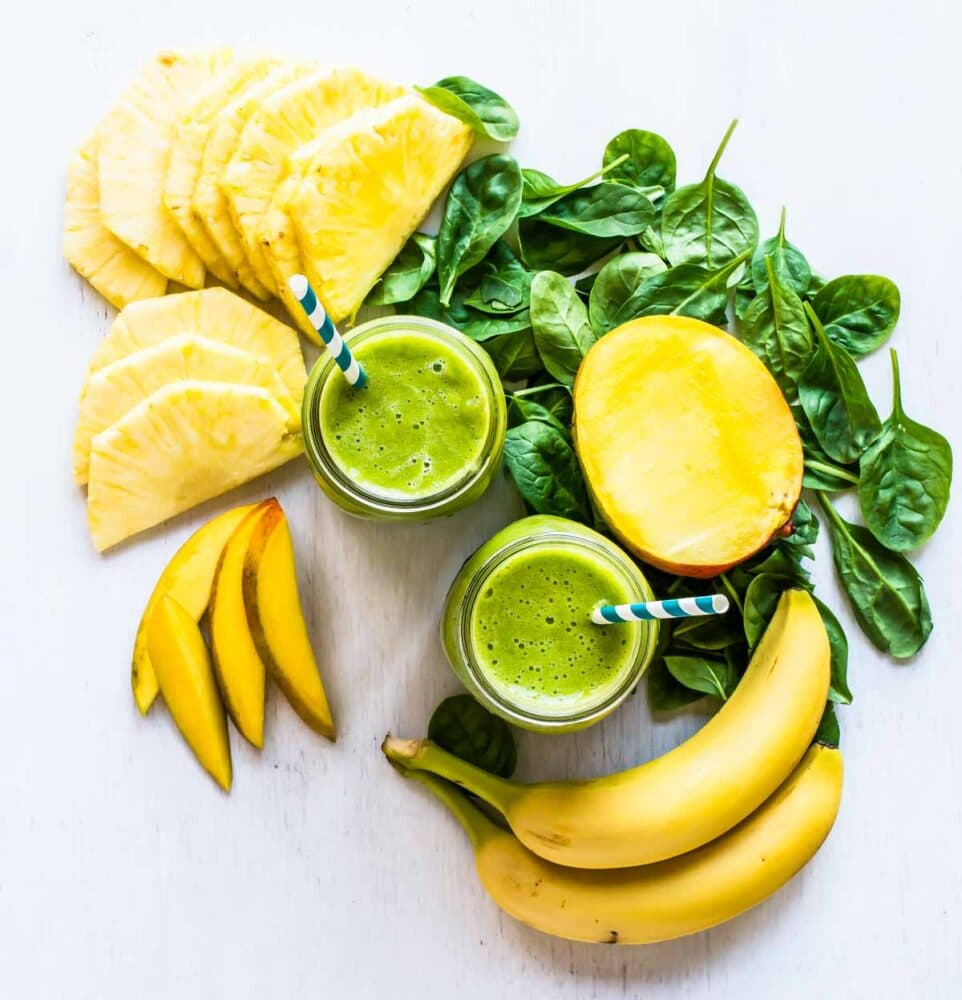 The best green smoothie recipe uses spinach, mango, pineapple and banana