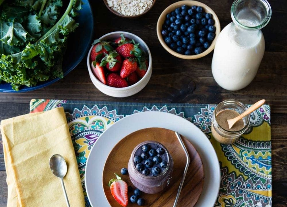 Meal replacement smoothie with berries
