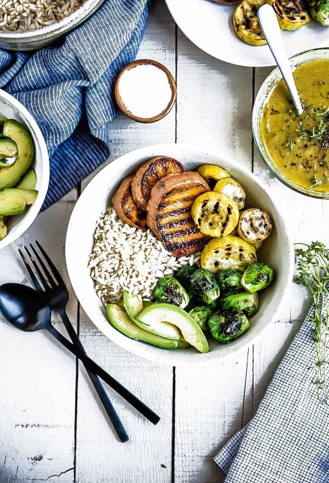 grilled squash veggie bowl