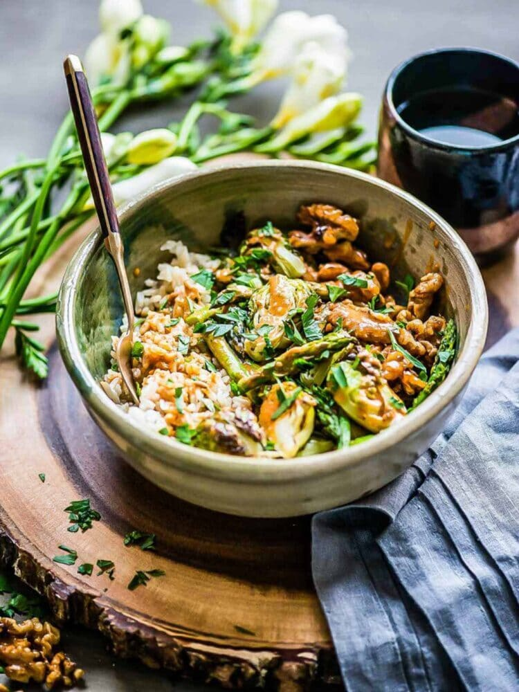 Simple green veggie bowl with coconut sriracha sauce