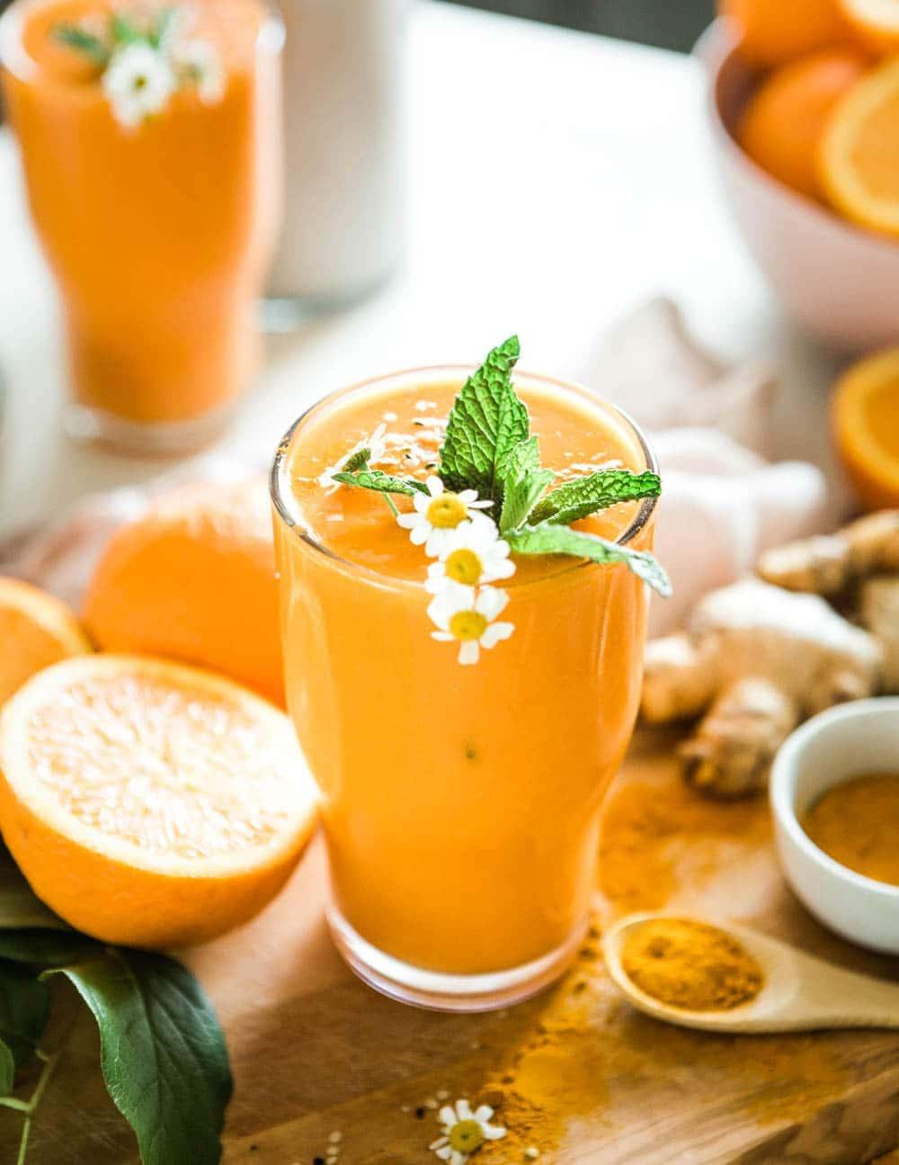 Healthy honey turmeric smoothie recipe