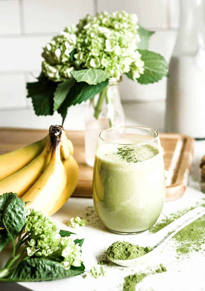 Vanilla matcha green smoothie recipe