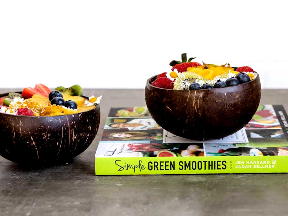 Coconut Bowls for Smoothies with tropical recipe