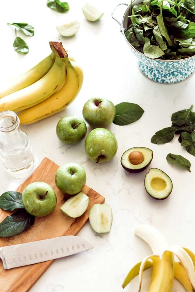 Ingredients for an apple smoothie recipe