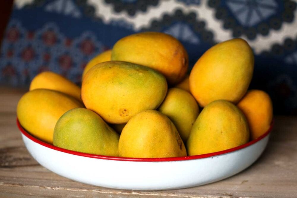 Fresh mangoes for smoothies
