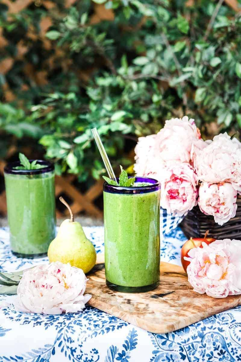 Green smoothie recipe for glowing skin
