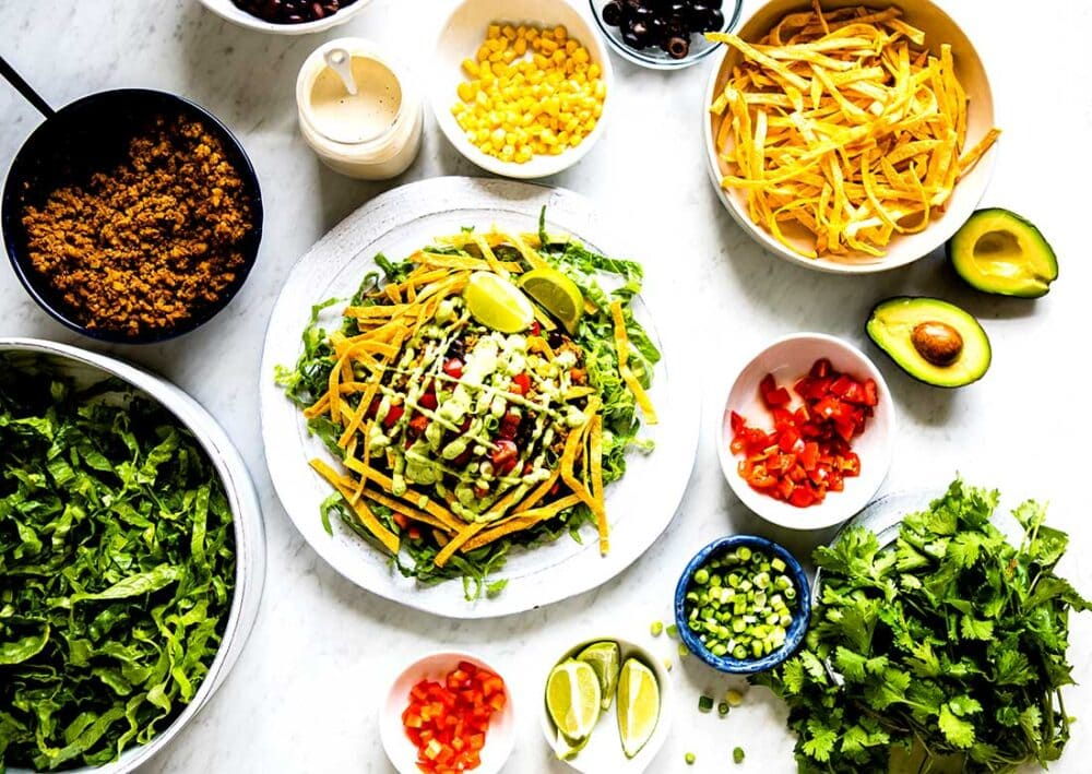 healthy taco salad recipe with lots of toppings