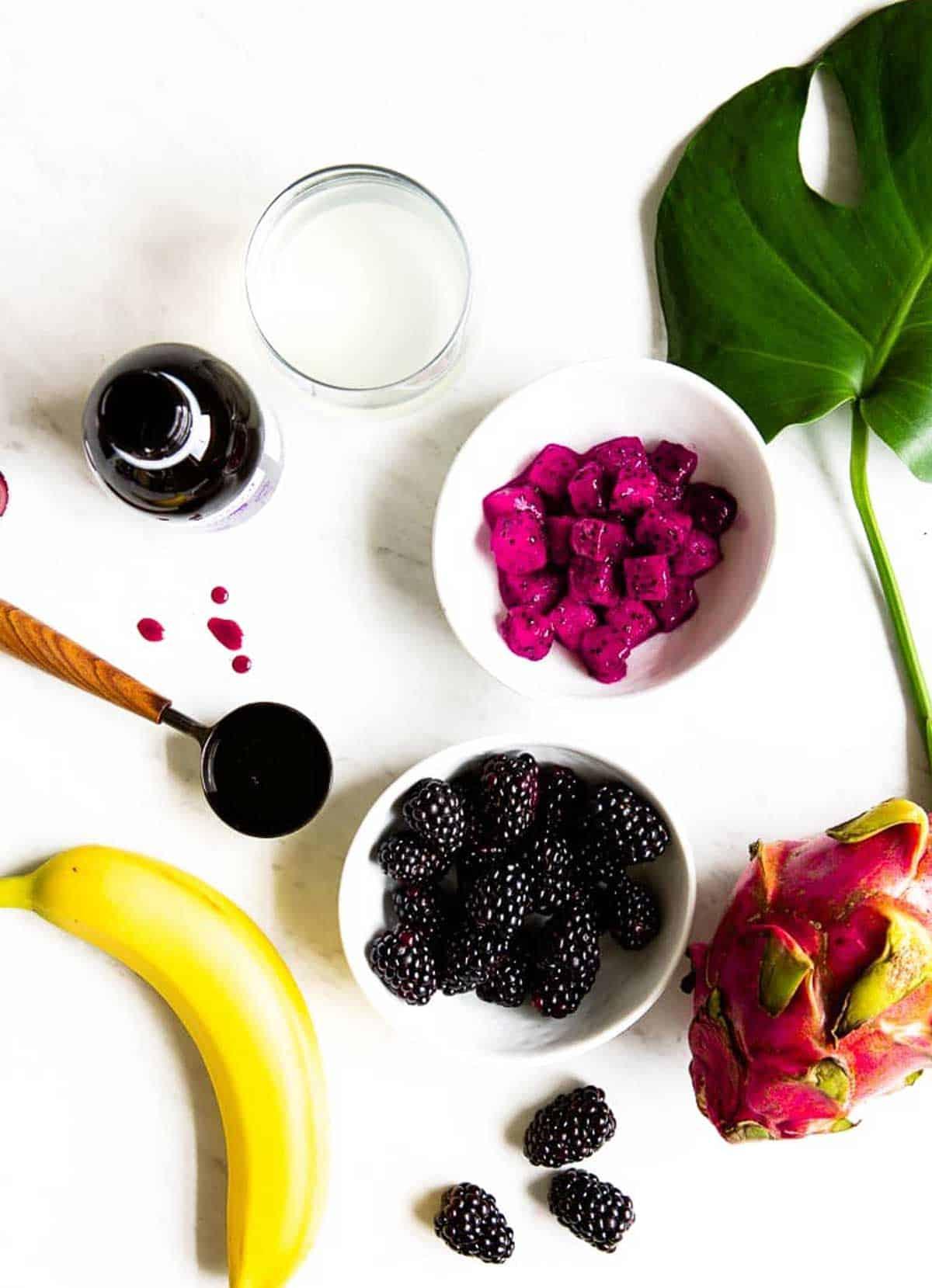 Ingredients in an elderberry smoothie