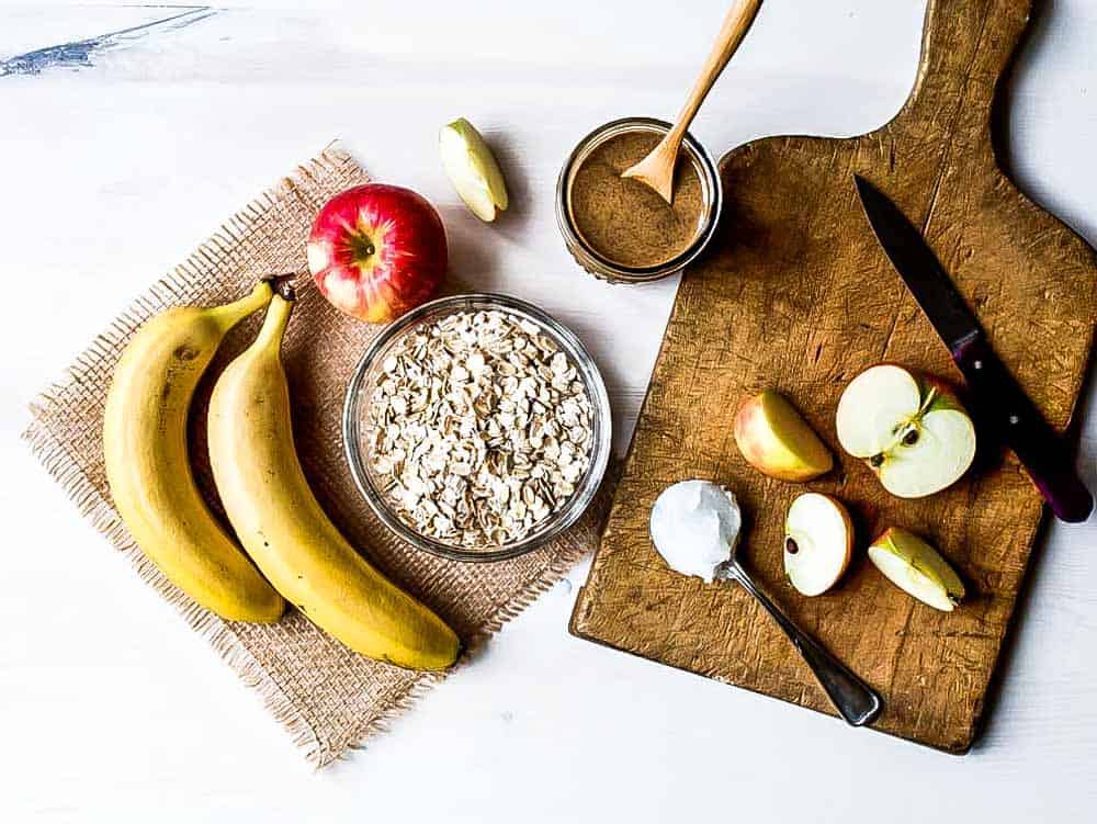 5 ingredients in a pre workout shake are oats, bananas, nut butter, apples and coconut oil.
