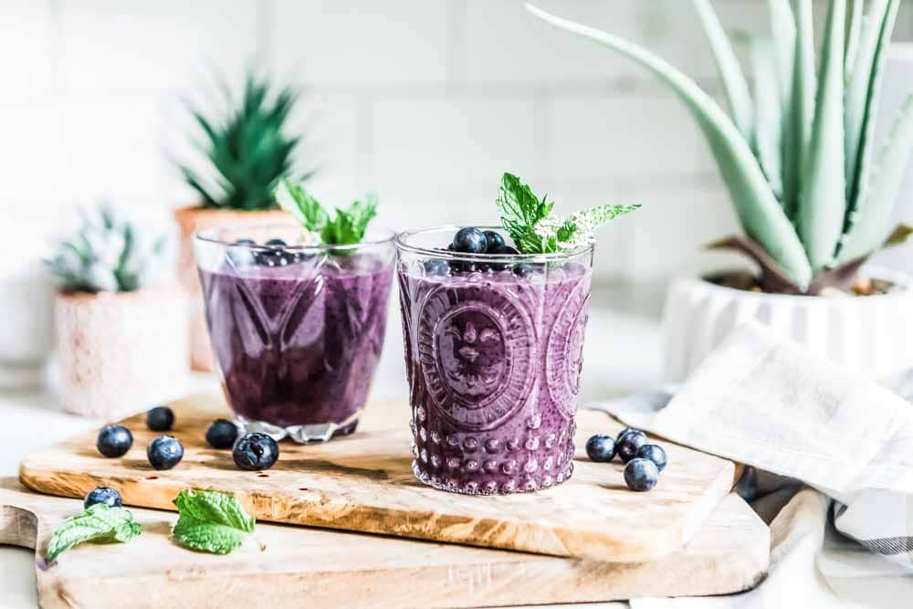 Creamy blueberry smoothie that's healthy and easy to make
