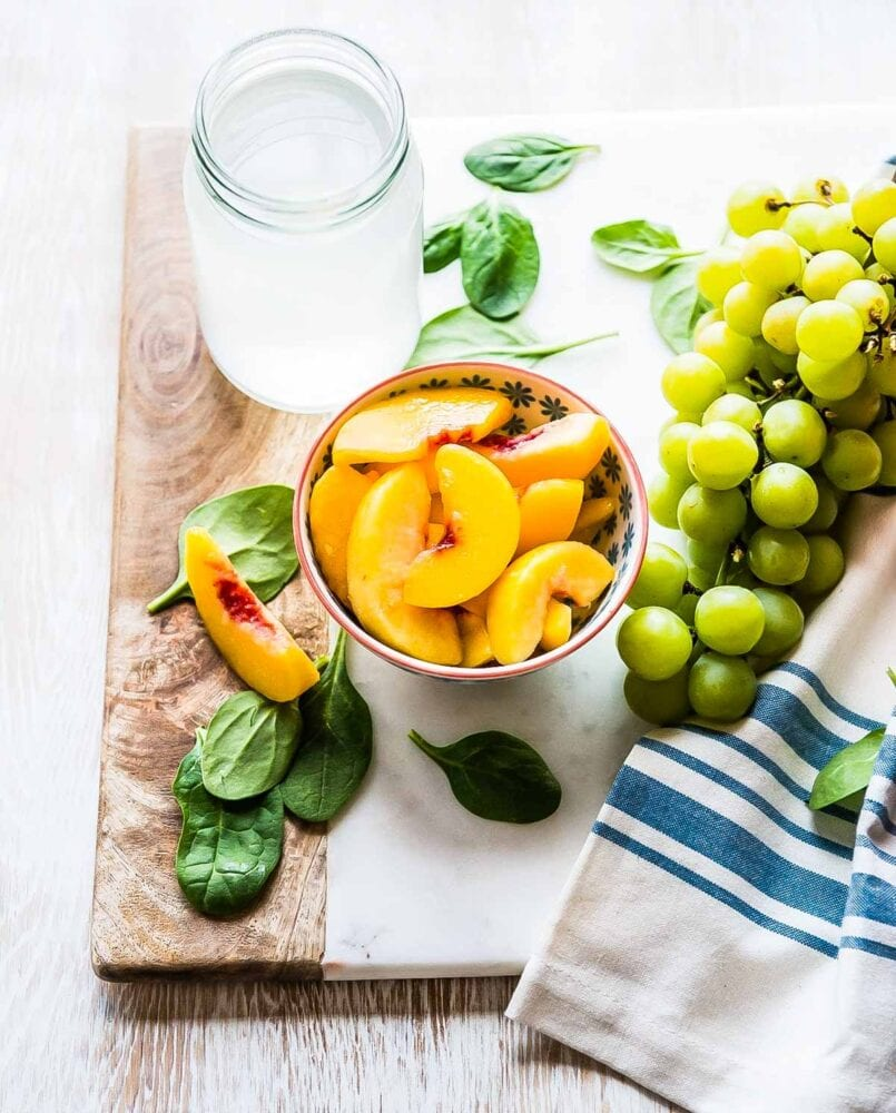 Simple Ingredients for the Spinach Peach Smoothie
