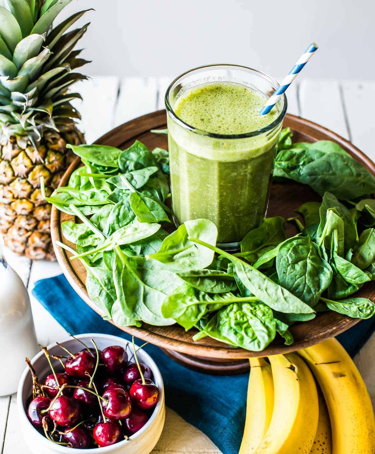 Healthy green smoothie with pineapple