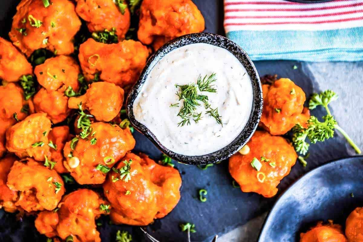 Recipe for vegan buffalo cauliflower wings