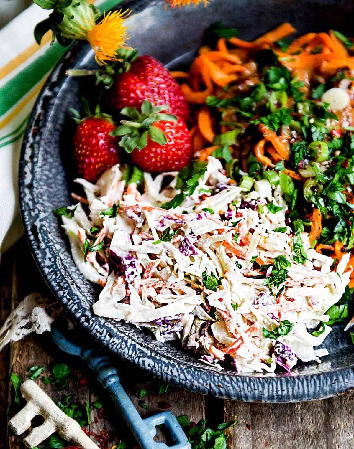 Homemade vegan coleslaw recipe
